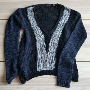 Dex loose knit navy and  black sweater